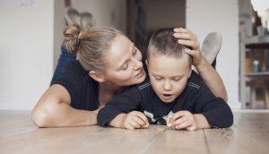 Børn skal ikke gå i børnehave for at lære at blive sociale, skriver Mette Carendi.