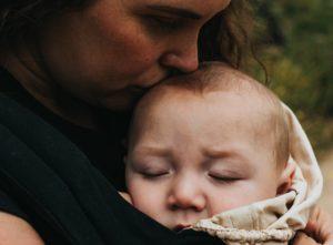 Babys mikrobiom er en vigtig ting, som vi bør have meget mere fokus på. Blandt andet fordi det er tæt knyttet til immunsystemet, mener doulaerne Louise og Anja Pedersen.